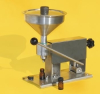 Manual filling machine for royal jelly bottling (0 -20 cc)