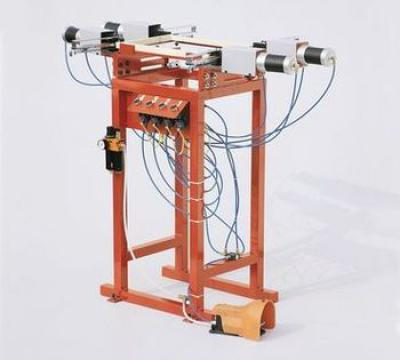 Pneumatic multiple nailing machine