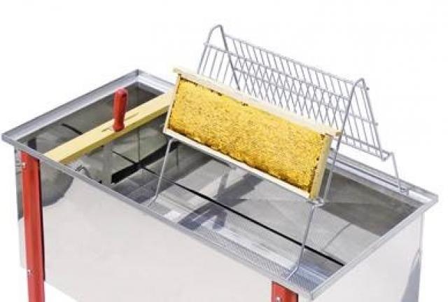 wabenhalterung aus edelstahl geeignet f r 2 personen entdeckeln produkte lega italy. Black Bedroom Furniture Sets. Home Design Ideas